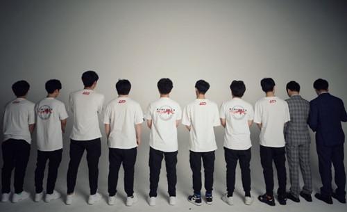 LGD发布背影照公布夏季赛阵容